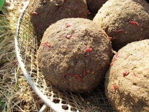 Прикормочные шары для ловли леща на фидер
